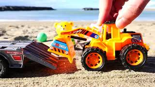 Игрушки На Пляже. Playtime Для Детей. Видео Для Детей.