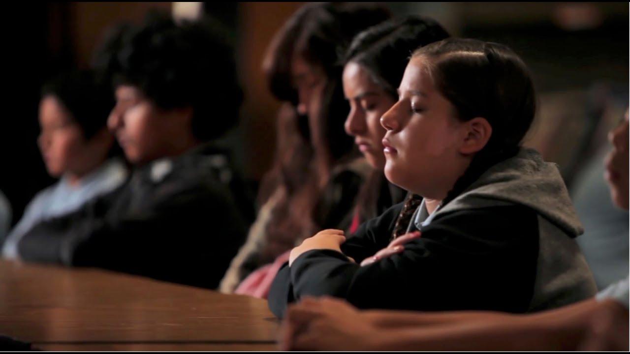 【瞑想で学校が変わる】米国に住むアステカ族の生徒たち
