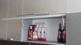 видео Кухня из пластика в алюминиевой рамке