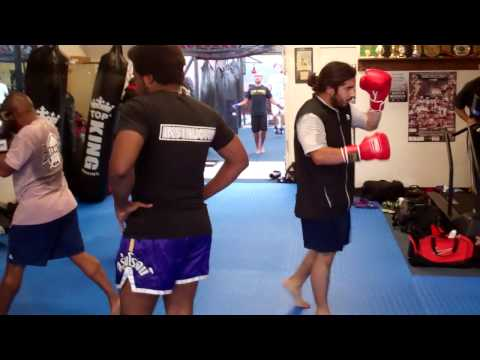 Manhattan Beach Muay Thai | Kickboxing in Manhattan Beach (310)376-1602