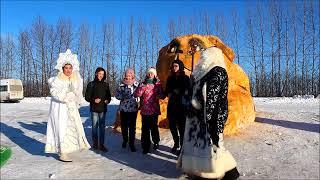 В Лаишеве самые большие снежные скульптуры Собаки, деда Мороза и Снегурочки. 05.01.2018