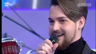 Valerio Scanu con un medley Disney - Domenica In 10/12/2017