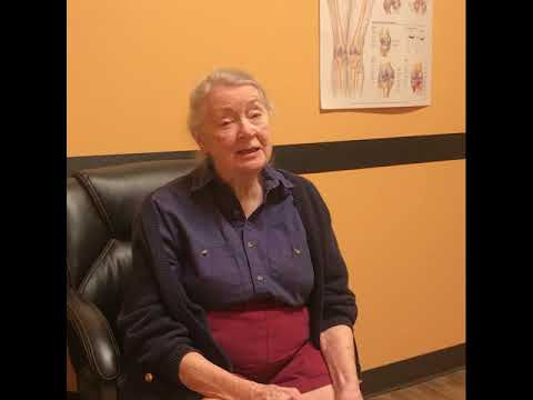 Dr. Higgins Speaks with Patient Six Weeks After Hip Replacement