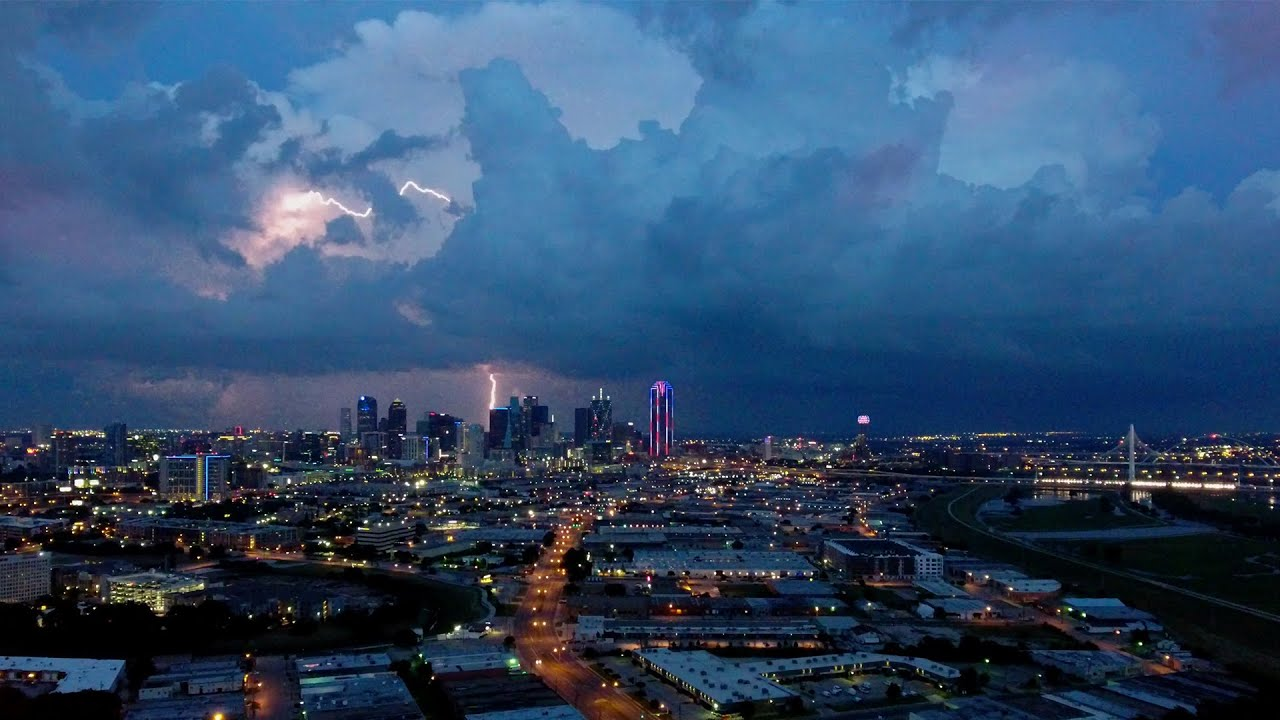 Crazy Lightning Over Dallas Skyline Youtube