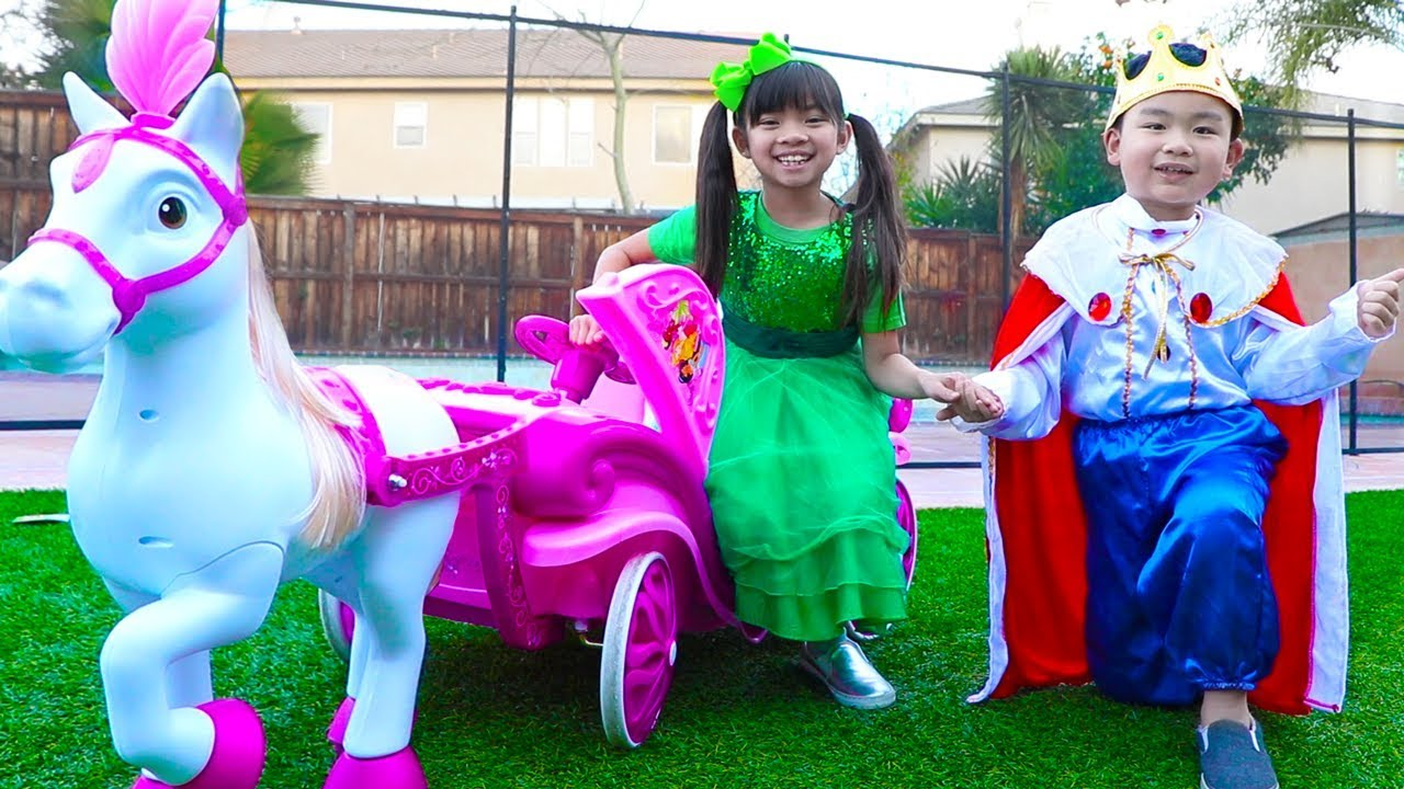 Emma & Lyndon Pretend Play w/ Children Princess Carriage Toy