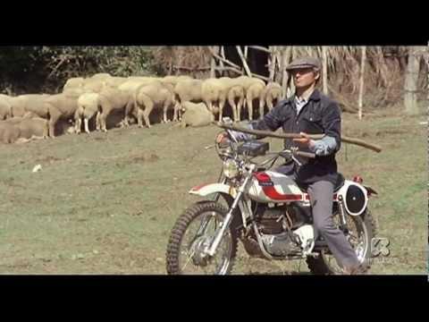 ...ALTRIMENTI CI ARRABBIAMO!: bastonate sulle moto
