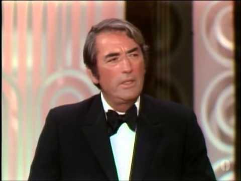 Gregory Peck presents the Jean Hersholt Humanitarian Award to Frank Sinatra