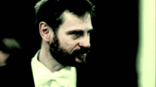 Simon Keenlyside sings Wer hat dies Liedlein erdacht.