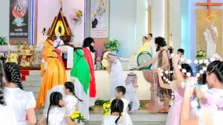 (Hình) Đại Lễ Khai Mạc Năm Thánh Hồng Ân - Mừng 60 Năm Hành Trình Sống Đức Tin (1955-2015)