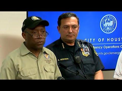 Houston mayor enacts curfew