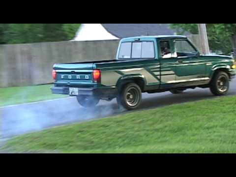 my sons first burn out with his 1992 ford ranger v6 30l