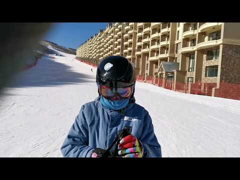 Vlog #19: Skiing the Olympic mountains in China