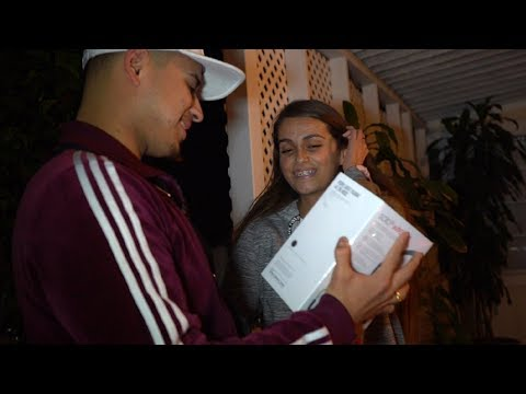 SURPRISING THE BEATS GIVEAWAY WINNER!!