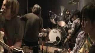 Words & Music by Kazuki Tomokawa Vo&G:なかおちさと G:小川京子 Dr:ホ...