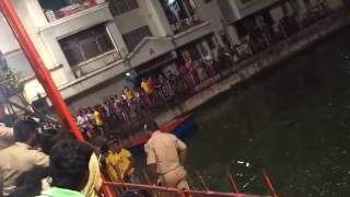 Police fight with Public At Ganapati Visarjan