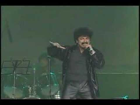 Music director Gurukiran's great show on the 4th AKKA World