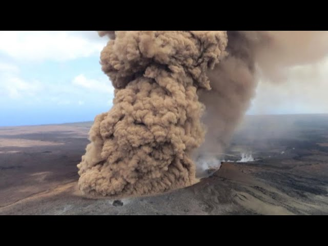 Hawaii on high alert as Kilauea volcano continues to erupt