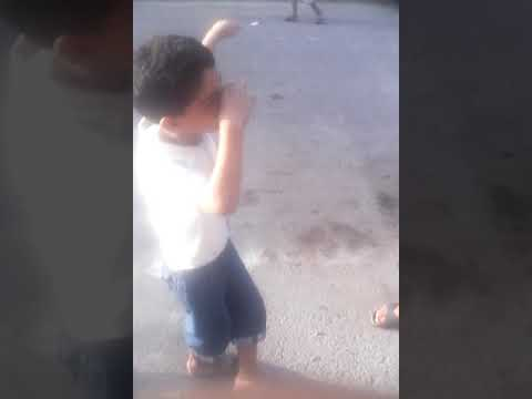 مهبول يرقص في الشوارع ( zabdou) thumbnail