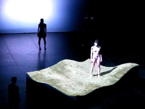 Голая балерина на сцене фото 291-897