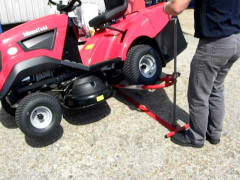 Mower Lift By Honda Used On A Ride On Mountfield Garden