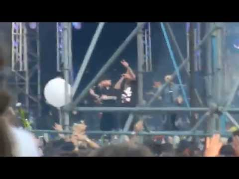 Aspettando Battiti Live 2012 - Bari - Ospiti Club Dogo - Radionorba from YouTube · Duration:  2 minutes 48 seconds