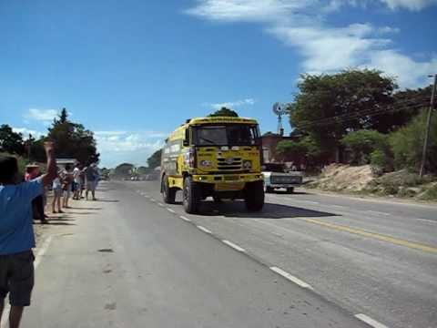 Dakar 2011.Increible sonido del camion TATRA Travel Video