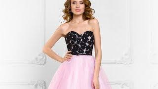 Пышное вечернее платье с открытыми плечами