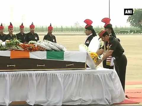 Army pays tribute to soldiers killed in Kupwara encounter - ANI News