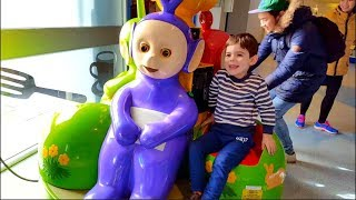 Jugando con los  Teletubbies Graciosos - Kids Have Fun