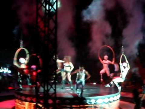 Britney Spears - Circus, SWEDEN 14/7-09