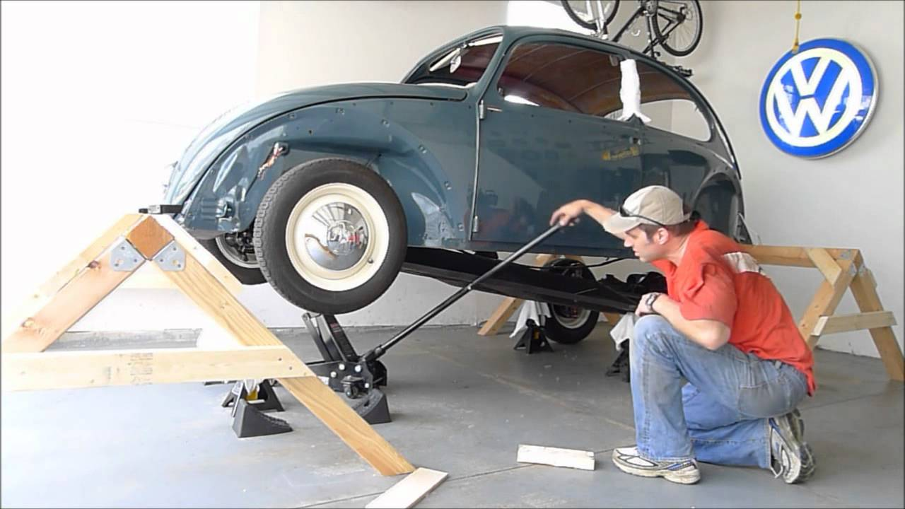 small resolution of 1966 vw beetle body removal one person remove body chassis bug 2x speed youtube