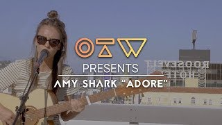 Amy Shark Adore Live Rooftop Performance Ones To Watch