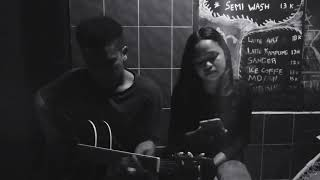 INIKAH CINTA ~ ( Vivi Leo Echye ft Aldi Ocho)