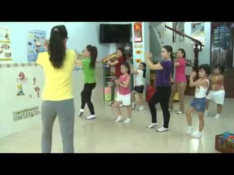 BeYeu.com - Mẹ và bé tập thể dục