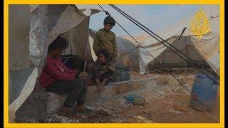 معاناة تشتد شتاءً.. مخيمات الحدود السورية التركية