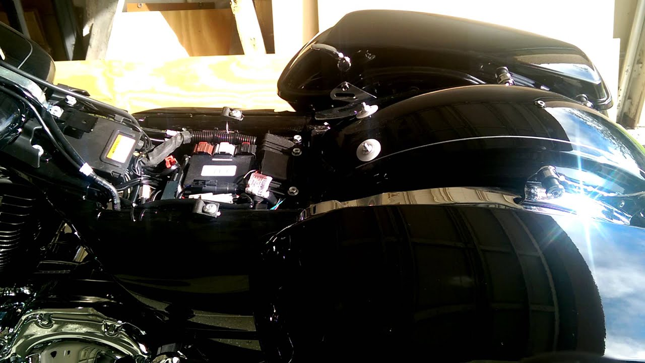 hight resolution of how to swap out your harley davidson seat