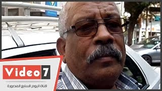 """بالفيديو ..مواطن لـ """"محافظ القاهرة """" :""""مش لقيين حد يشلينا الزباله فى حى دار السلام"""""""