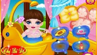 Chị bí đỏ tắm cho bé Peanut ♥ Trò chơi em bé thumbnail