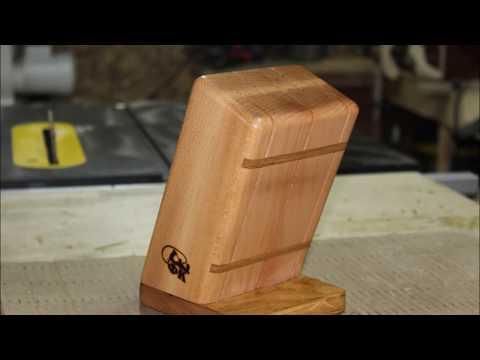подставка из дерева для кухонных ножей