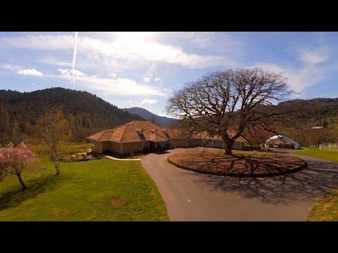 13888 E Evans Creek Road, Rogue River, Oregon