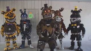 Five Nights At Freddy's In Real Life ( En la vida Real ) #FNAF