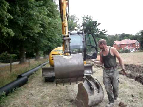 How to change a bucket on a 8 ton excavator