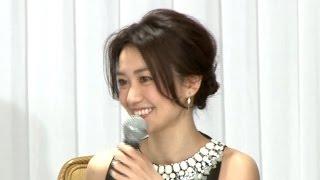女優の大島優子が10日、都内で行われた舞台『美幸-アンコンディショナルラブ-』の制作発表会見に出席。