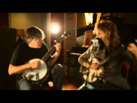 "The Bluegrass Situation // Béla Fleck & Abigail Washburn, ""What Are They Doing in Heaven Today"""