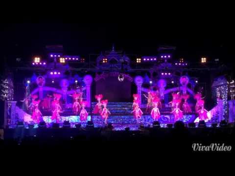 โชว์เปิดวงหนึ่ง รุ่งทิวา อำนวยศิลป์ 2558-2559 [HD]