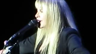 Stevie Nicks & Mick Fleetwood - Fleetwood Mac - farewell to the Dublin crowd, 20th Sept 2013