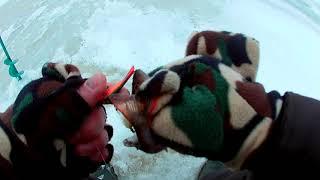 Рыбалка На озере Воже зима
