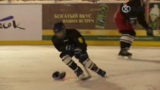 Бесплатная хоккейная школа заработала в Парке Горького(Проект «Первая смена» - бесплатная хоккейная школа для детей от 7 до 13 лет. Первые занятия прошли в Парке..., 2014-12-12T14:25:20.000Z)