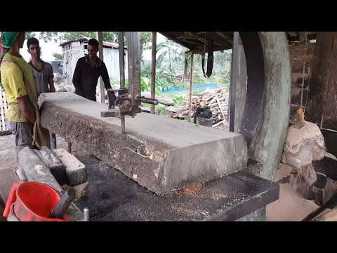Black Teak Wood Slice Cutting by Sawmill Machine।Wood Working Craftsman Cutting Teak Wood Part