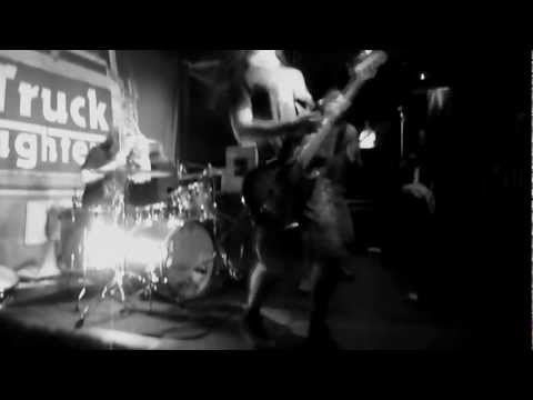 Truckfighters - Desert Cruiser - Leeds UK : 5th April 2012